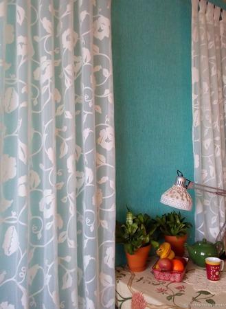 Короткие шторы на петлях для кухни или детской. Вуаль с цветами. ручной работы на заказ