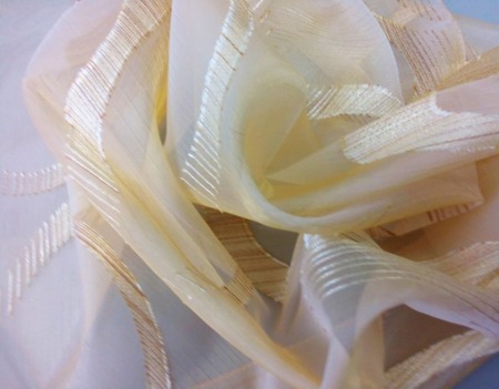 Красивая легкая штора из полуорганзы ручной работы на заказ