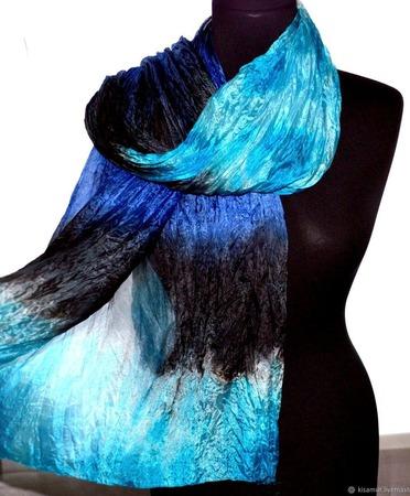 Шарф сине бело голубой с черным, подарок женщине ручной работы на заказ