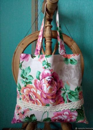 Хлопковая авоська с кружевом в розовых розах «А лето все же наступит!» ручной работы на заказ