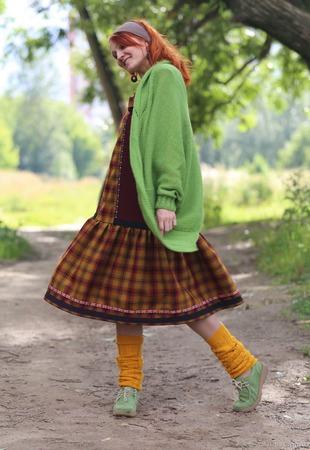 Теплое платье-сарафан с брошью ручной работы на заказ