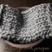 Серый коврик для фотосессии малышей
