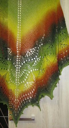 Шаль ажурная, связанная спицами Триана ручной работы на заказ