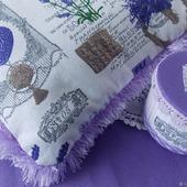 Декоративные элементы  подушка и шкатулочка
