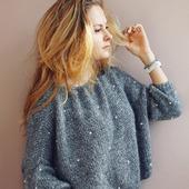 Модный вязаный свитер из кид мохера с бусинами