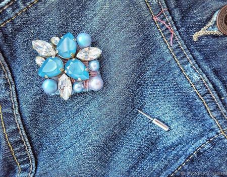 Брошь «Голубая лазурь» ручной работы на заказ