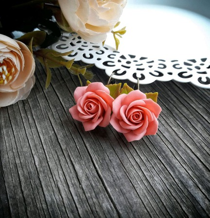 """Серьги """"Персиковые розы"""" ручной работы на заказ"""