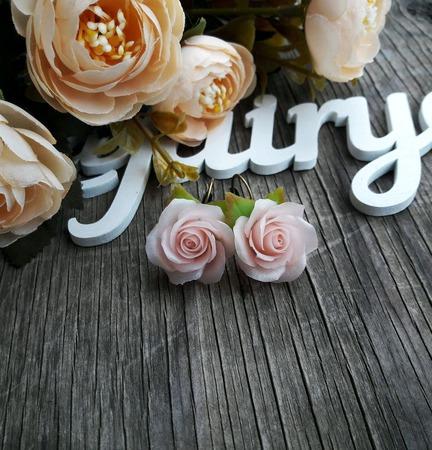 """Серьги """"Нежно-розовые розы"""" ручной работы на заказ"""