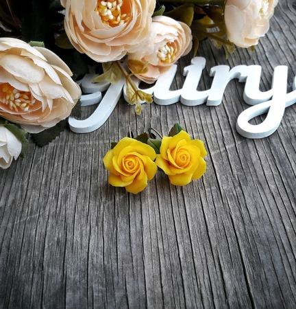 """Серьги """"Желтые розы"""" ручной работы на заказ"""