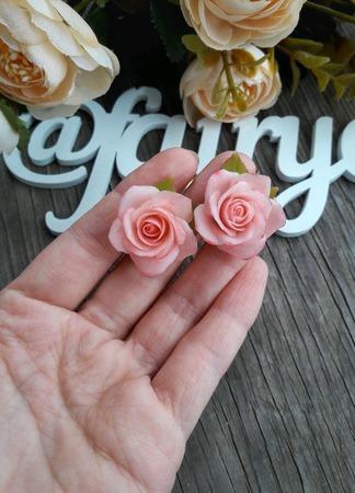 """Серьги """"Нежные розы с листочками"""" ручной работы на заказ"""