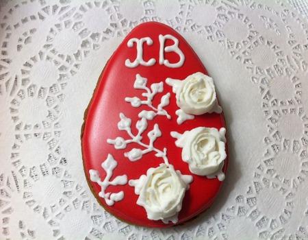 Пряник-яйцо Белые розы на алом В наличии 10 шт ручной работы на заказ