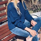 Шелковый свитер ручной работы