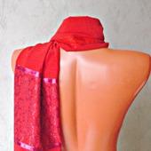 """Красный палантин ручной работы из ткани """"Алая заря"""" модель 3"""