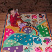 Вязаный развивающий коврик в детскую