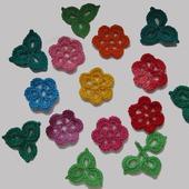 Маленькие цветы вязаные крючком-2