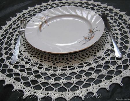 Салфетки декоративные и для сервировки стола вязаные ручной работы на заказ