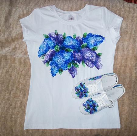 """Комплект: футболка и кеды  """"Сирень"""" ручной работы на заказ"""