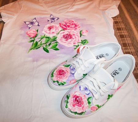 """Кеды женские летние с ручной росписью """"Розовые пионы"""" ручной работы на заказ"""