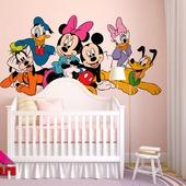 Роспись стен в детской комнате Микки Маус