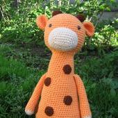 Вязаная игрушка Жираф