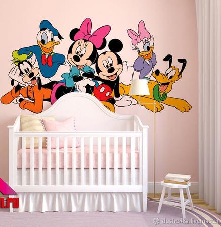 Роспись стен в детской комнате Микки Маус ручной работы на заказ