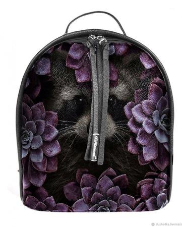 """Рюкзак женский кожаный с росписью """"Енот в цветах"""" ручной работы на заказ"""