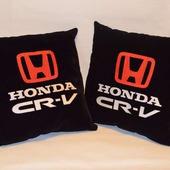 Подушка автомобильная. Honda. Машинная вышивка