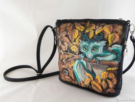 """Маленькая женская сумка из экокожи с росписью """"Дракончик"""" ручной работы на заказ"""