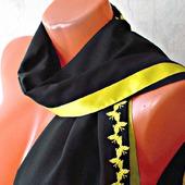 """Черный шарф ручной работы из ткани """"Желтые бабочки"""""""