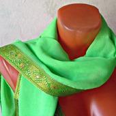 """Зеленый палантин ручной работы из ткани """"Зеленая лужайка"""" модель 3"""
