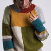 Разноцветный вязаный свитер ручной вязки