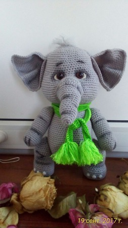 Вязаный слоник Моня ручной работы на заказ