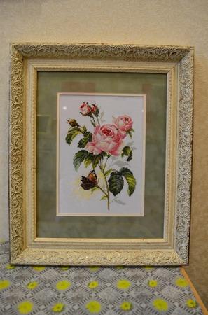 """Вышитая картина """"Роза и бабочка"""" ручной работы на заказ"""