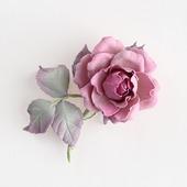 Брошь серо-розовая с небольшой розой