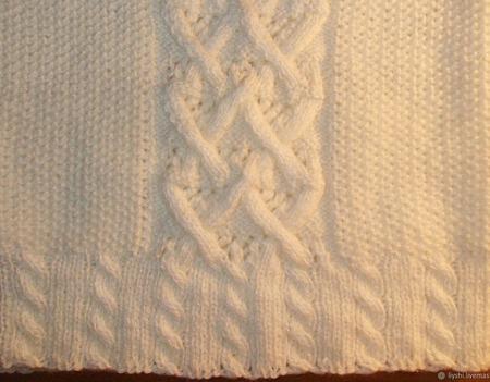 Жилет вязанный белый ручной работы на заказ
