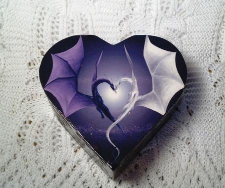 "Шкатулка ""Сердце Дракона"" ручной работы на заказ"