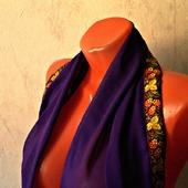 """Фиолетовый шифоновый шарф ручной работы """"Земляничная поляна"""" модель 1"""