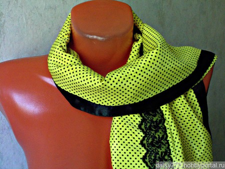 """Желтый палантин ручной работы из ткани """"Черная роза"""" модель 2 ручной работы на заказ"""