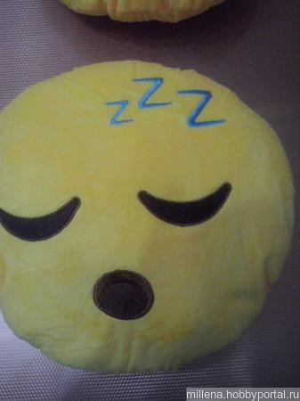 Подушка-смайлик ручной работы на заказ