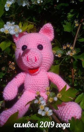 Вязаная игрушка Свинка - символ 2019 года ручной работы на заказ