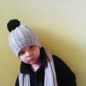 Вязаный комплект для мальчика: пальто, шапка, шарф