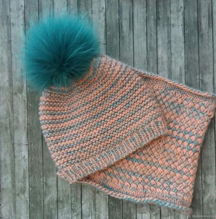 Вязаная шапочка для девушки, для женщины ручной работы на заказ