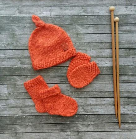 Вязаный комплект для малышки ручной работы на заказ