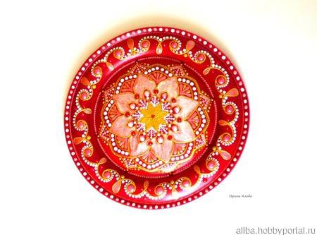 """Декоративная тарелка """"Кокетка"""" деревянная, точечная роспись ручной работы на заказ"""