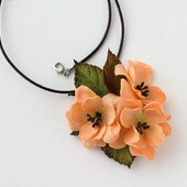 Комплект абрикосовый оранжевый кулон и кольцо с цветами