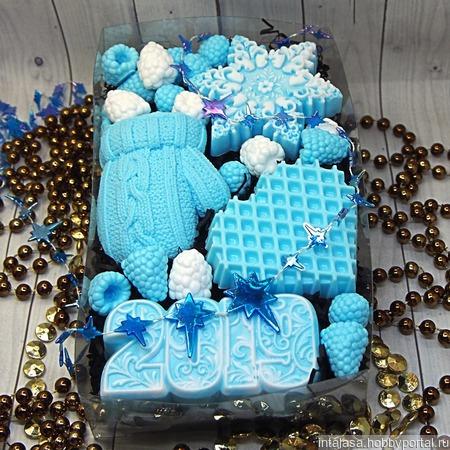 Новогодний набор мыла ручной работы с вафельным сердечком ручной работы на заказ