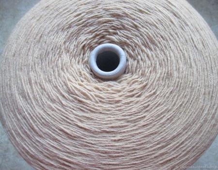 Пряжа с шерстью на бобинах ручной работы на заказ