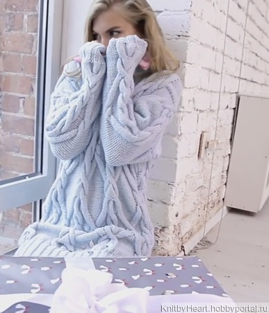 Вязаный свитер - платье ручной вязки в Москве ручной работы на заказ