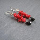 """Серьги """"Coral roses"""" из красного коралла и черной шпинели"""