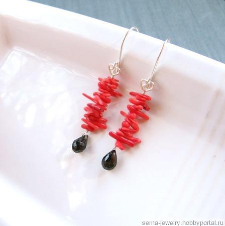 """Серьги """"Coral roses"""" из красного коралла и черной шпинели ручной работы на заказ"""